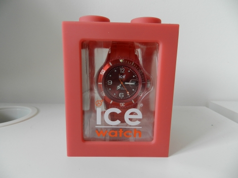 Montre au poignet ICE WATCH Rouge, bordeaux