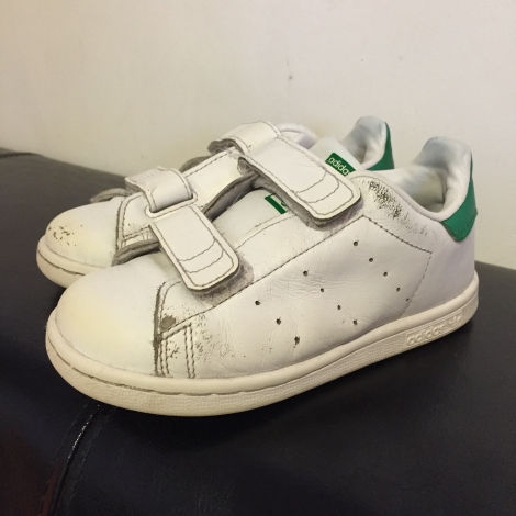chaussures scratch adidas stan smith 27 blanc vendu par mike 181216 3514566. Black Bedroom Furniture Sets. Home Design Ideas